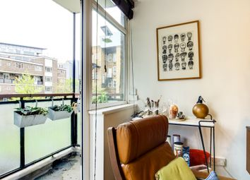 Thumbnail 1 bed terraced house to rent in Buxton Court, London