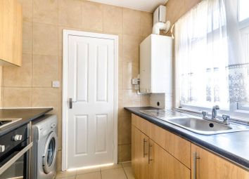 Thumbnail 3 bedroom flat to rent in Croydon Road, Elmers End