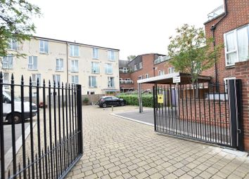1 bed flat for sale in Heath Road, Hounslow TW3