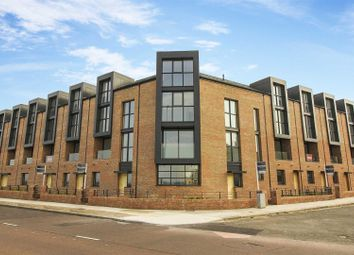 4 bed terraced house for sale in High Point View, Promenade, Cullercoats NE26