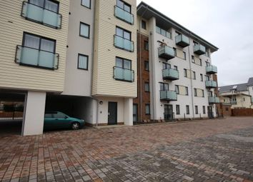 2 bed flat to rent in Manton Terrace, Victory Park Road, Addlestone KT15