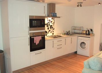 Thumbnail 1 bed flat to rent in Newick Road, Clapton, Lea Bridge, Hackney