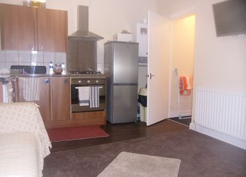 Thumbnail 1 bed flat to rent in Wingrove Avenue, Newcastle Upon Tyne