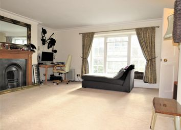 Thumbnail 1 bed flat to rent in High Street, Hastings