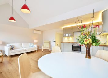 Thumbnail 2 bed flat to rent in Sutton Court Road, Chiswick