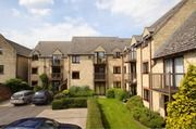 Thumbnail 2 bed flat for sale in Evenlode Court, Witney, Oxfordshire