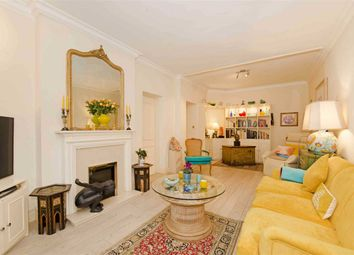Thumbnail 3 bed flat for sale in Clive Court, London