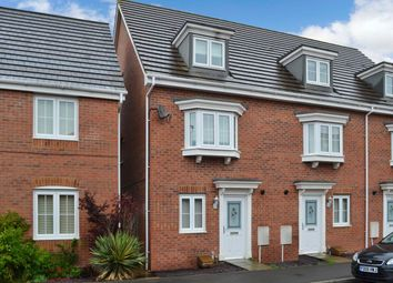 Thumbnail 4 bed property to rent in Hussars Drive, Thatcham, Berkshire