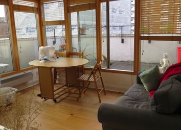 Thumbnail 2 bed flat to rent in Old Street, London