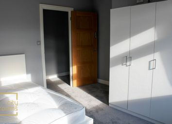 Thumbnail Room to rent in Brayford Square, Shadwell