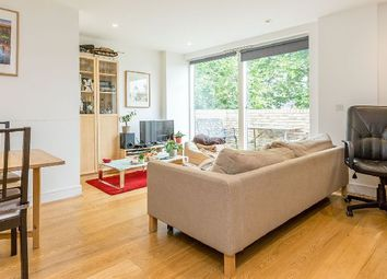 Thumbnail 2 bed flat to rent in Westking Place, London
