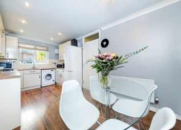 Thumbnail 3 bed town house for sale in Par Close, Hertford