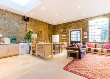 Thumbnail 3 bed flat to rent in Sternhall Lane, Peckham Rye