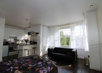 Thumbnail Studio to rent in The Grove, Finchley