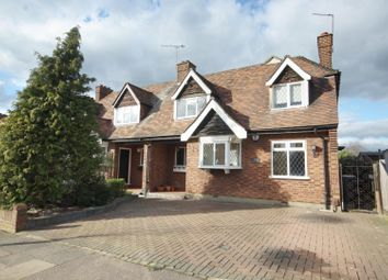 4 bed property for sale in Beauly Way, Romford RM1