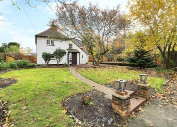 Thumbnail 3 bed semi-detached house for sale in Lee Street, Horley, Surrey