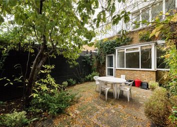 Thumbnail 4 bedroom flat to rent in Meadow Road, London