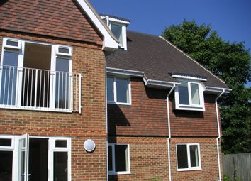 Thumbnail 2 bedroom flat to rent in Station Road, Reading