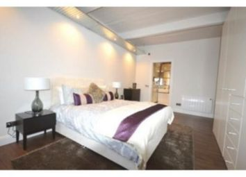 Thumbnail 3 bed flat to rent in City Road, Clerkenwell, Old Street, Angel