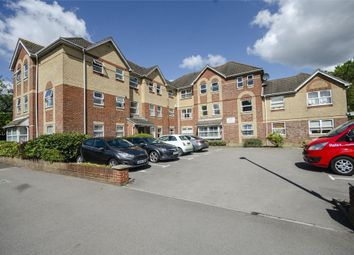 Lower Northam Road, Hedge End, Southampton SO30. 3 bed flat