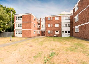 Thumbnail Flat for sale in Thornhill Gardens, Barking