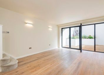 Thumbnail 2 bed flat to rent in Cholmeley Close, Archway Road, London