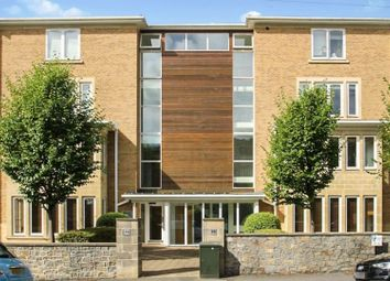 19 Miles Road, Clifton BS8. 2 bed flat