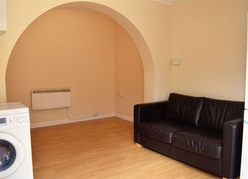 Thumbnail Studio to rent in Balfour Road, Hounslow, Middlesex
