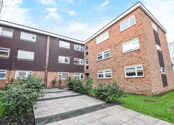 Thumbnail 2 bedroom flat for sale in Chiltern Court, New Barnet EN5,
