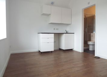 Thumbnail Studio to rent in Flat 3 Cameron Road, Ilford