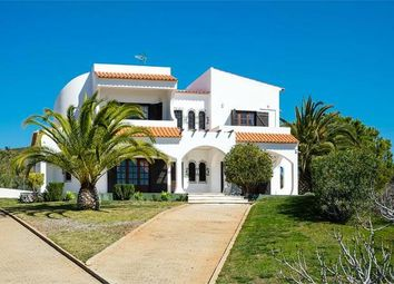 Thumbnail 6 bed villa for sale in Portugal, Algarve, Castro Marim
