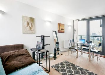 Thumbnail 2 bedroom flat to rent in Proton Tower, Canary Wharf