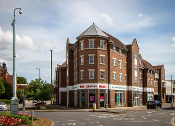 Sussex Road, Haywards Heath RH16. 2 bed flat for sale