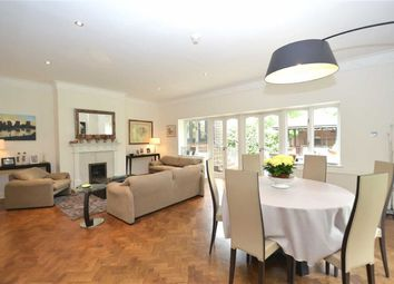 Thumbnail 5 bedroom property for sale in Applewood Close, London
