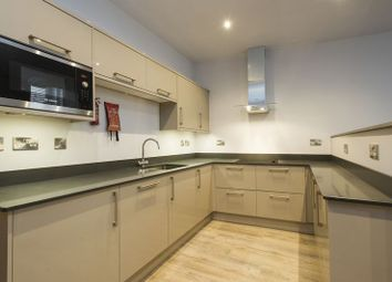 Thumbnail 4 bed flat to rent in Stanford Street, Nottingham