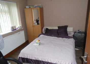 Thumbnail 2 bed flat to rent in Greenford Road, Greenford