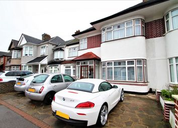 Thumbnail Room to rent in Parham Drive, Gants Hill