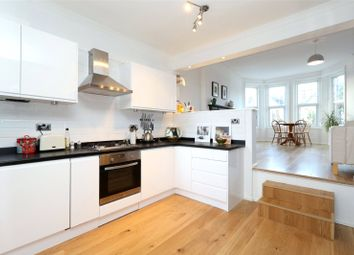 Thumbnail Flat to rent in Broomfield Avenue, Palmers Green, London