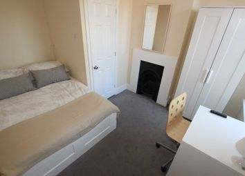 Thumbnail Room to rent in Edinburgh Road, Reading