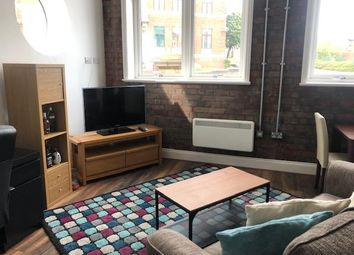 Thumbnail 1 bed flat to rent in Crocketts Lane, Smethwick, Birmingham