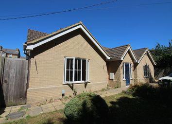 Thumbnail 4 bed bungalow to rent in Conington Road, Fenstanton, Huntingdon