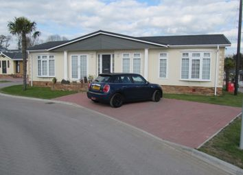 Thumbnail 1 bedroom mobile/park home for sale in Pilgrims Retreat (Ref 5570), Harrietsham, Kent