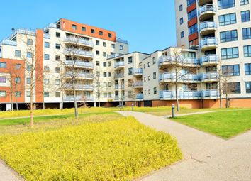 Thumbnail 4 bedroom flat to rent in Wards Wharf Approach, London