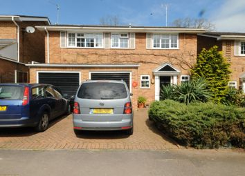 Thumbnail 4 bed detached house to rent in Valley Road, Henley-On-Thames