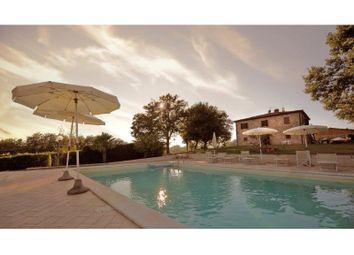Thumbnail Farmhouse for sale in Colle Di Val D'elsa, Colle Di Val D'elsa, Siena