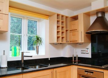 Thumbnail 1 bed flat to rent in Queens Road, Richmond