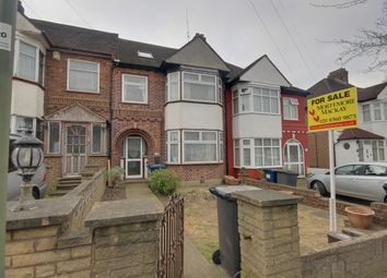 Thumbnail 5 bedroom terraced house for sale in Chase Way, Southgate