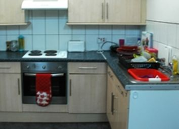 Thumbnail 5 bed flat to rent in Headingley Mount, Leeds