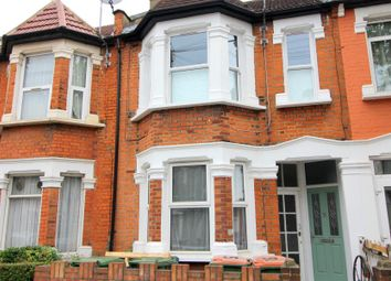 Thumbnail 1 bed flat to rent in Clements Road, London
