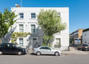 Thumbnail 4 bed town house to rent in Queensdale Road, Fulham